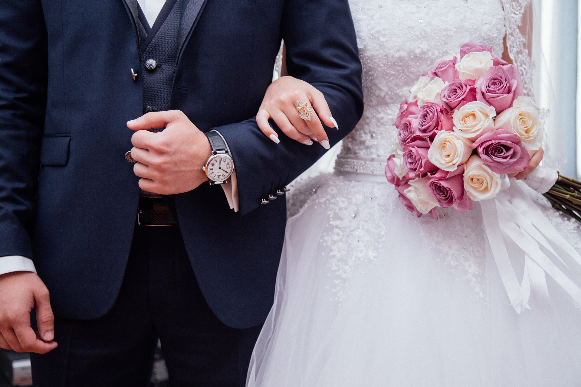 Wedding Anniversary Gifts By Year Which Gift Should You Give